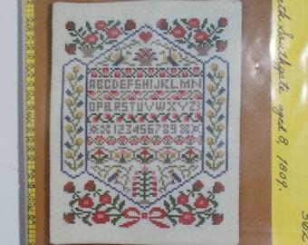 Smithsonian Cross Stitch Sampler Kit 562 Elizabeth Southgate Age 8 1809 Alphabet Flowers 7 x 9 Size