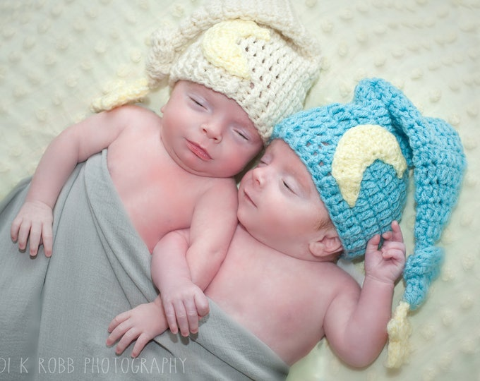 Crochet Moon and Star Newborn Cap / Photo Prop