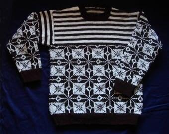 Sweater size S Brown and ecru jacquard