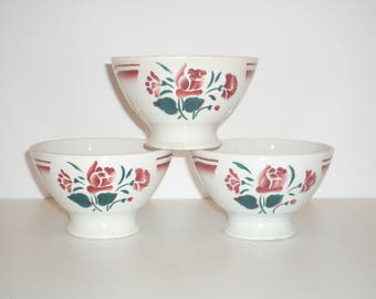 Set of 3 small french bowls with flowers 1920s 1940s Vintage French café au lait bowl
