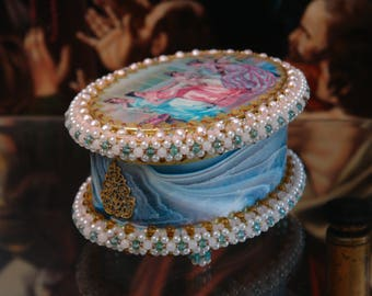 "Oval, antique and vintage looking decoupage box  Oval Jewellery box. ""Ladies in silk crinolin"""