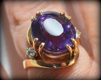 German Artist/Artisan Crafted, One-of-a-Kind - Oval Amethyst, Diamond, and Yellow Gold Ring -  New - By Werner Theobald, Master Goldsmith