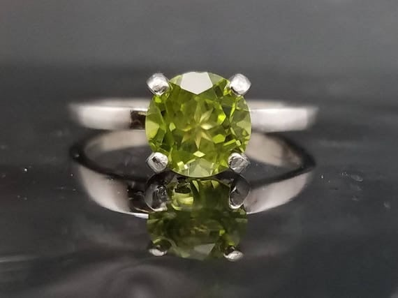 Peridot Silver Ring Size 6 7 8 9 Green Stone Jewelry 2 CTW Solitaire Engagement Promise Wedding Anniversary Sterling August Birthstone R156