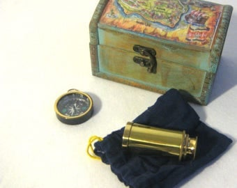 Set of 3 small marionettes. Small treasure chest, telescope and brass compass