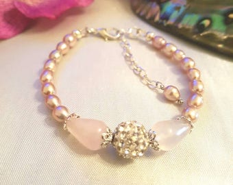 Pearl bracelet, ladies pearl bracelet, rose quartz, cultured pearls, pink bracelet, gift for her, handmadebracelet, handmade jewelry, pearls