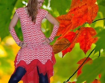 Asymmetrical tunic in mesh and lattice 'Bubble coral...' and its sleeves