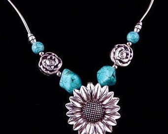 Women flower blue stone necklace, chain necklace, charm necklace, stone necklace, boho necklace, hippie, gypsy, Tibetan, bohemian necklace.