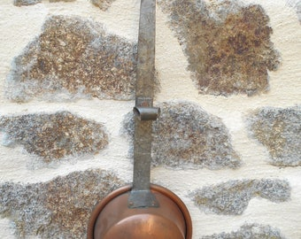 "Vintage Copper Pan with a long iron handle ""Villedieu"""