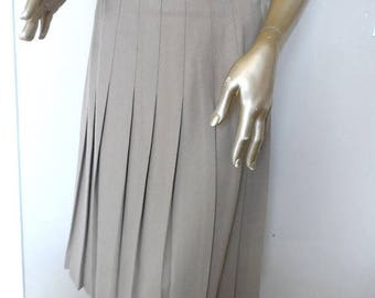 40% OFF Vintage 1980's Taupe Pleated Skirt* Wool Blend . Size 14 . Preppy . Classic . Tailored . Eighties .