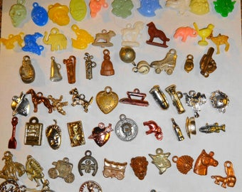 1940s - 1950s Vintage 1940s/50s Gumball Vending Machine Charms. 100 Lot4