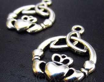 Claddagh Charms 24mm - 10/20/50 Wholesale Triquetra Antiqued Silver Plated Pendant Findings C0536