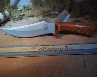 Armageddon Skinner Red Meranti and Chestnut Hunting Knife