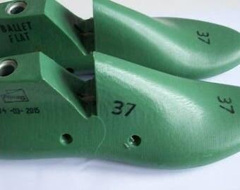 Shoe lasts UK size 4 EU 37 US 6 low heel round toe shoe making shoemaking felt making shoe lasts