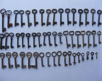 Lot 53 old vintage antique skeleton keys