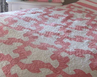 Remarkable and Elegant Antique Pink Drunkards Path Quilt 87X70""