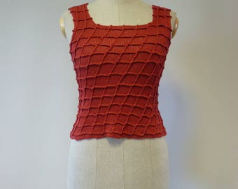 Summer coral linen top, S size. Artsy style, only one sample.