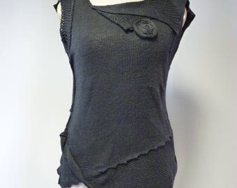 The hot price, black knitted linen top, M size.