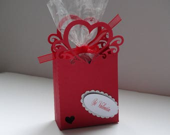 Red Valentine heart box