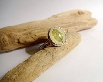 Small leaf - 12mm - adjustable cabochon ring
