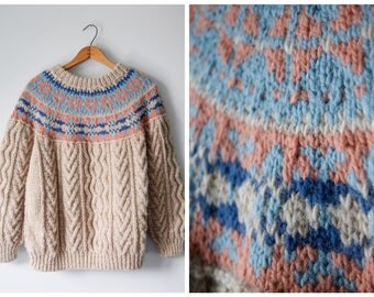 Vintage Nordic handknit woolen pullover | Fits many