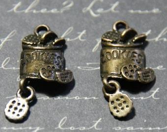 3 charms metal bronze 12x15mm cookies box