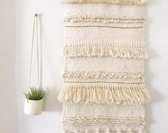 Large Neutral Weaving