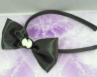 headband romantic cameo black and white