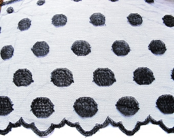 LACE RUFFLE CHANTILLY LACE FROM CALAIS PEAS BLACK 20 CM