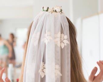 Boho wedding veil, lace veil, ivory veil, elbow veil, fingertip veil, wedding, bohemian, quirky veil, flower comb, bridal flower