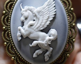 Pegasus Cameo Pendant necklace in Antiqued Bronze