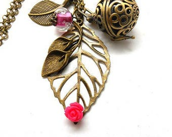 A scent! Necklace has perfume leaf, rose flower Pearl spun
