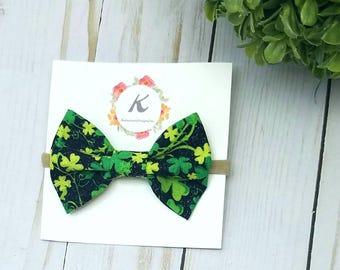 Shamrock bow, st patricks day bow, nylon headband, baby girl headband, holiday bow, hair bow, infant headband, black and green bow, baby bow