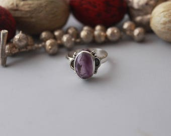 Enchanting Amethyst ring set in Sterling silver