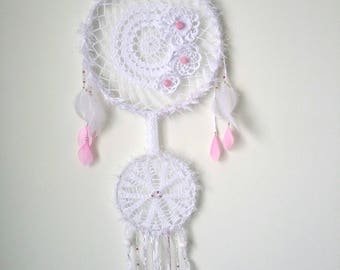Dream dream or dream catcher double circles in crochet white cotton, white ribbons, feathers and white pearls and pink