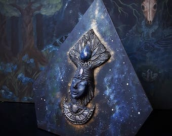 Crystal Goddess wallhanging/high relief,Universal Mother, /Crystal Statue/Crystal Art/Handmade/Unique/Pagan/Heathen/Altar/Decour/Wallhanging