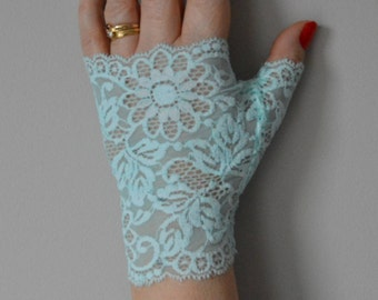 Light blue Bridal Gloves, wedding gloves sky blue, short lace fingerless gloves, fingerless gloves short woman, woman short Bridal Gloves, gloves, blue