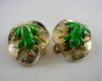 Vintage Mimi Di N frog amphibian enameled clip on earrings