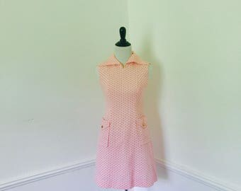 Vintage Polka Dot Shift Dress// Size XS// Waist Pockets// Collar Neck