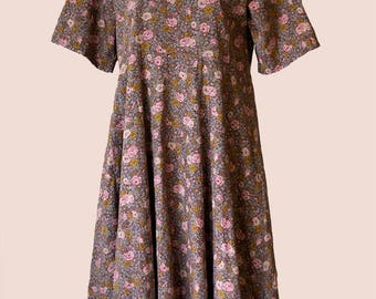 Oversized long boho DRESS * brown with flowers pattern, short sleeves, open back * handmade