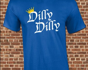DILLY DILLY Mens T-Shirt - all sizes available - funny vintage beer drinking rally chant toast tee shirt