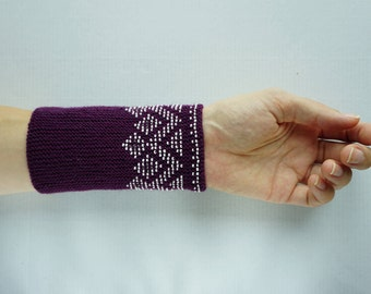 Dark purple and white beaded wrist warmers/ knitted wristlets with beads / woollen cuffs –ready to ship