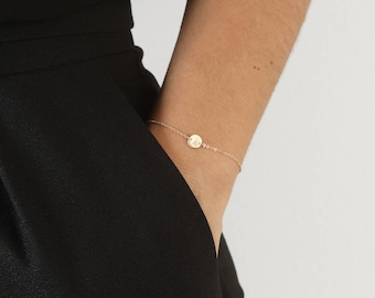 Tiny Initial Bracelet, Dainty Disc Bracelet, Engraved Disc Bracelet, Personalized Bracelet, Delicate Initial Bracelet, Initials Jewelry/B116