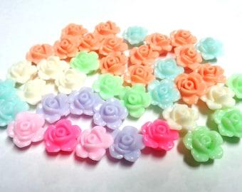 40 acrylic flowers 12mm - hole 1mm