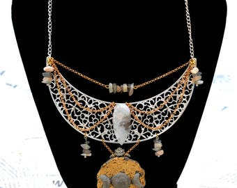 "Necklace) o (Hecate) o (concrete, gold, Labradorite, Moonstone ""Ruins"")"