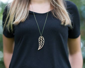 Leaf Necklace | Bamboo necklace | Wood necklace | Wood jewelry | Bamboo jewelry | Long necklace | Long pendant | Floral jewelry