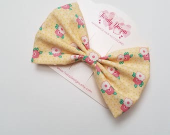 Girls Yellow Print Hair Bow, Girls Fabric Bow, Floral Print Hair Clip, Girls Hair Bow, Toddler Barrette, Flower Bow, Girls Hair Clip