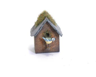 Blue tit on bird box - 1/12th dollshouse miniature garden bird