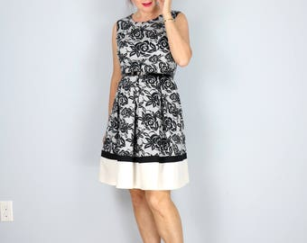 1990s Does 1950s Dress - Floral Fit and Flare Dress - Contrast White Hem - Sleeveless - Black White - Belted Waist - Summer - Size 6 Medium