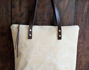 Beige Waxed Canvas Tote,Beige Canvas Bag,Zippered Canvas Tote,Leather Strap Tote,Water Resist Tote,Beige Canvas Tote Bag,Everday Tote Bag