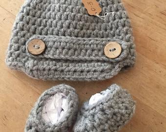 Newsboy hat and bootie set, baby boy hat, baby boy booties, infant newsboy hat, new baby, baby shower gift, baby newsboy hat, 0-3 months